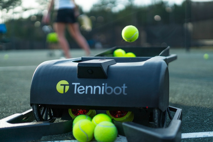 توپ جمع کن هوشمند Tennibot برای جمع آوری توپ های تنیس